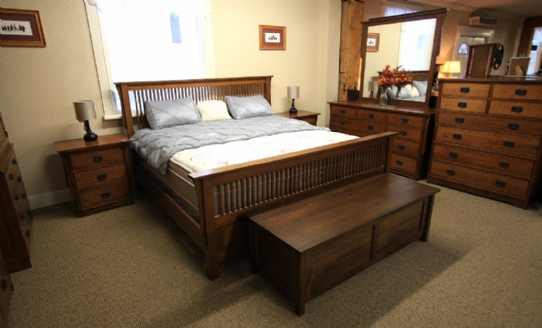 Mission 7 pc Oak Spindle Mennonite Bedroom Suite Mennonite Furniture Ontario at Lloyd's Furniture Gallery in Schomberg