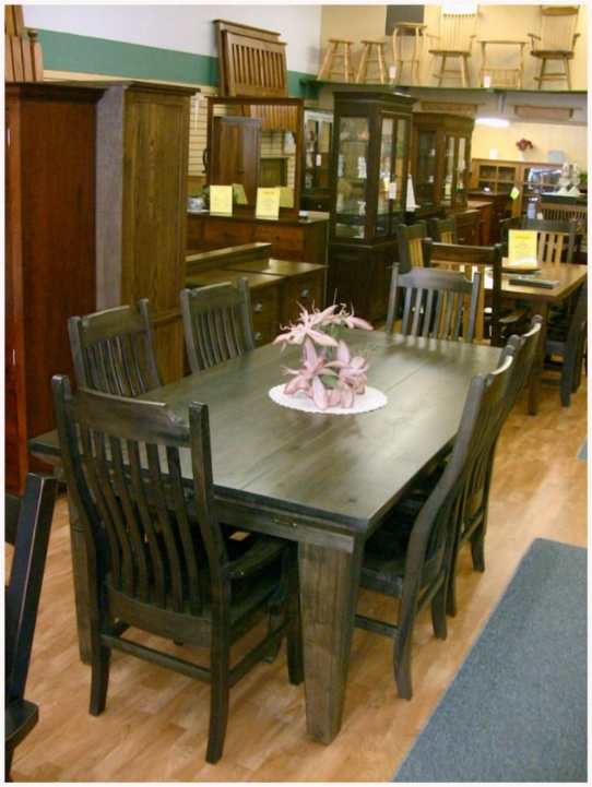 Wormy Maple Mennonite Table and Chairs Mennonite Furniture Ontario at Lloyd's Furniture Gallery in Schomberg
